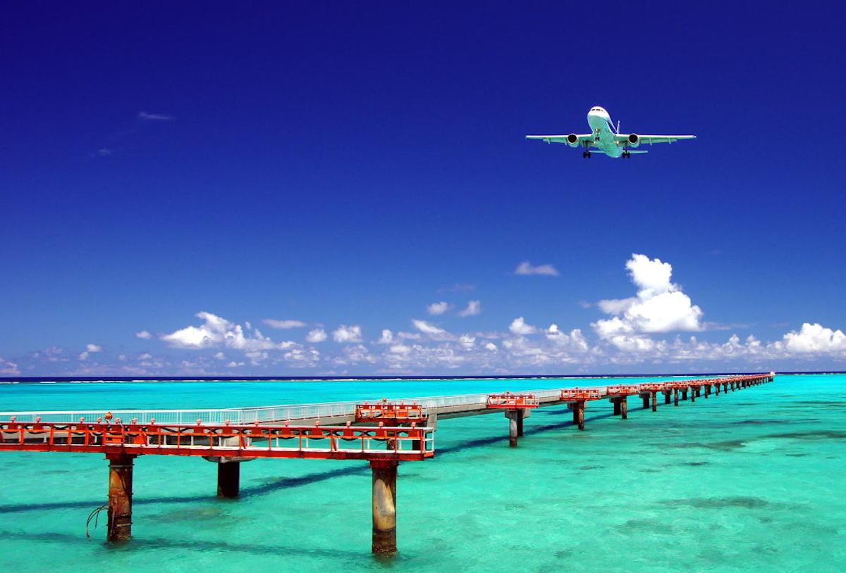 沖縄の飛行機